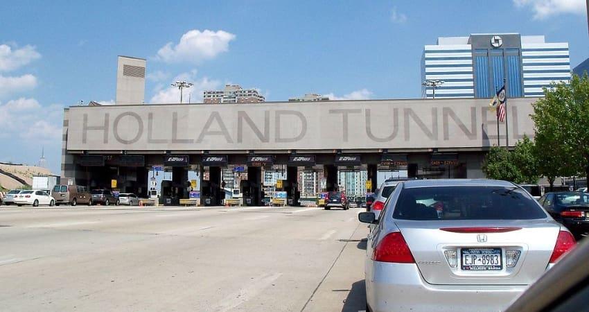 entrance to the holland tunnel nj ny