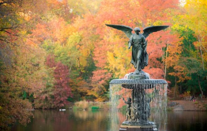 Bethesda Fountain statue