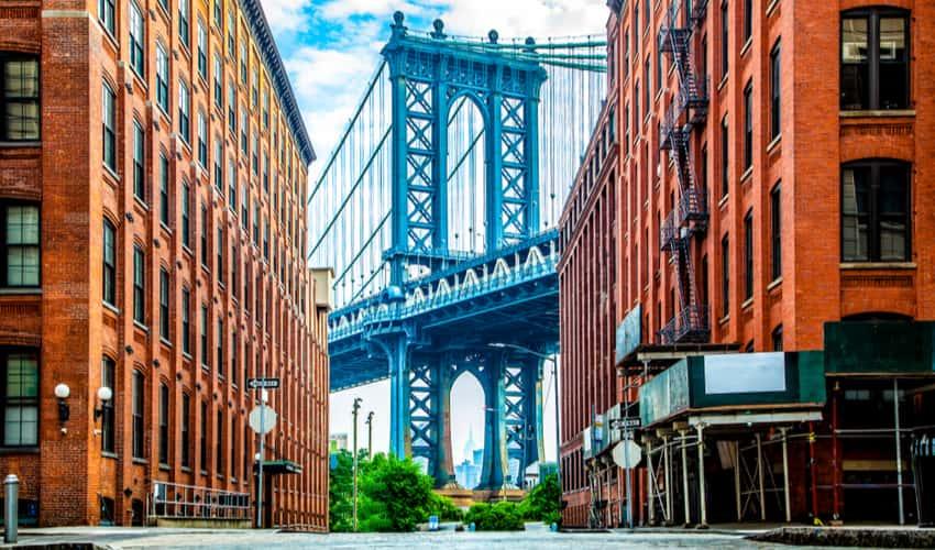 View of the Manhattan Bridge in DUMBO between Manhattan and Brooklyn